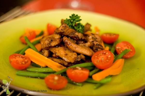 Poulet mariné au soja et ses légumes croquants