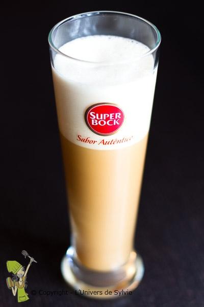 Bière brune aux oeufs