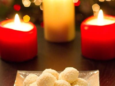 Truffes de Noël au chocolat blanc-noix de coco